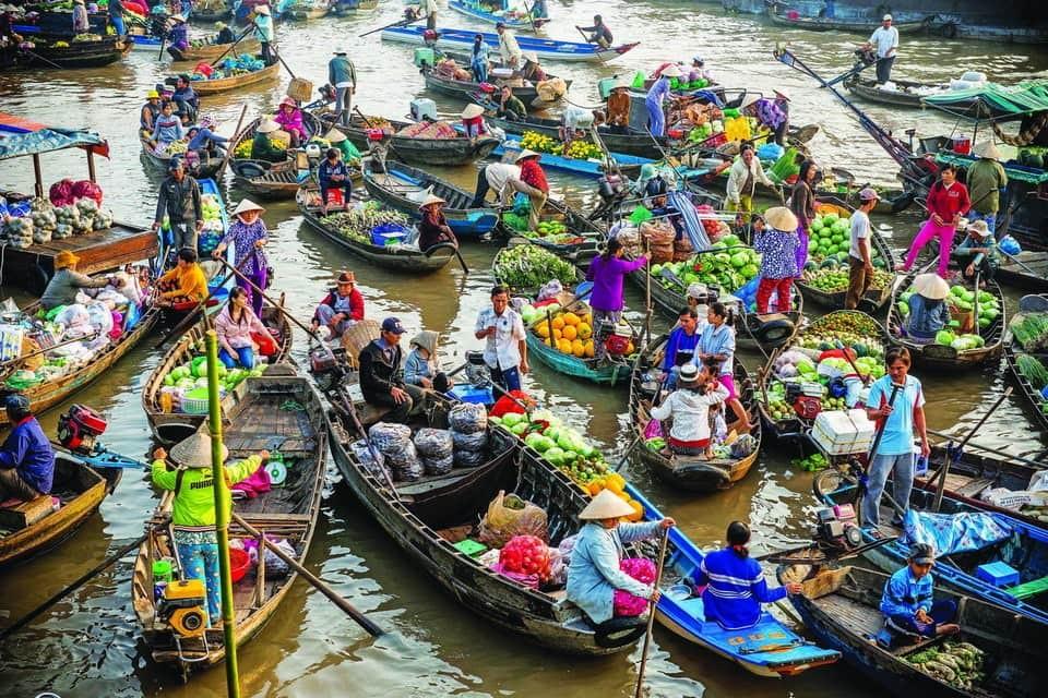 Chợ nỗi Cái Răng - Hoạt động mua bán trên sông